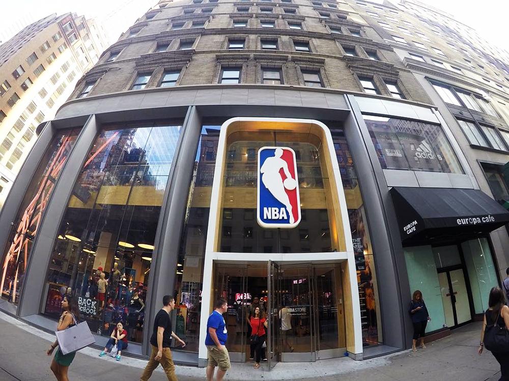 ad5c131cf NBA Store  a loja oficial com tudo sobre basquete em Nova York– Dicas Nova  York