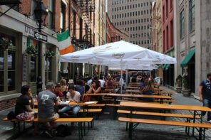 Stone Street: rua histórica com bares e restaurantes no Financial District