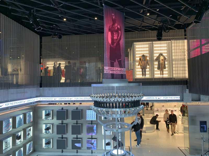 sirena bostezando Evaporar  Nike New York: conheça a megaloja na Quinta Avenida | Dicas Nova York|  Dicas Nova York